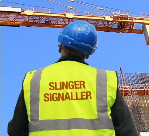 Slinger Signaller at work
